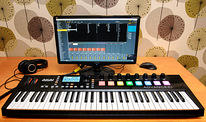 Akai ADVANCE 61 USB MIDI контроллер