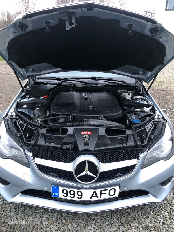 Mercedes E-220D coupe (foto #1)