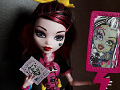 "Monster High Draculaura ""Save Frankie"""