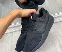 New Balance Black Tossud